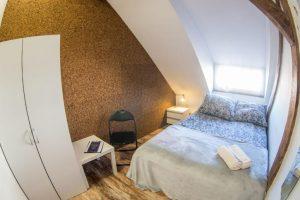 Komfortowy pokój w Hostelu