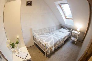 Pokój jedno osobowy - łóżko - Hostel Wrocław